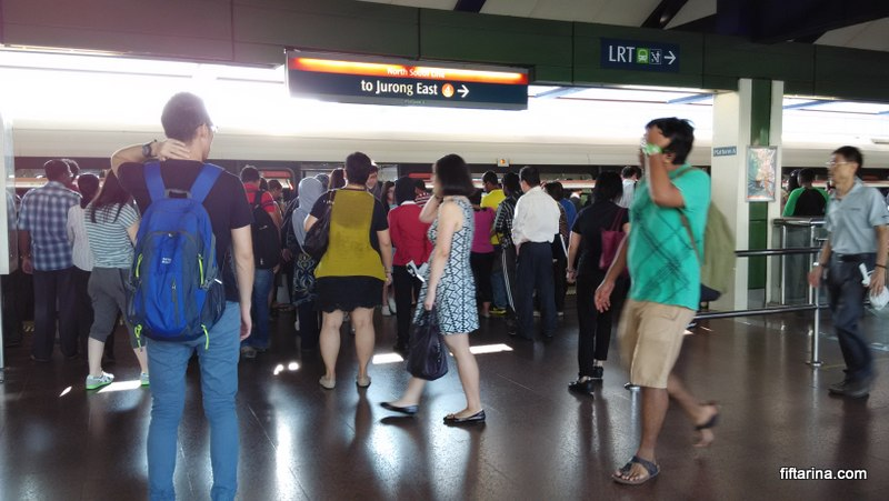 morning rush hour at choa chu kang mrt station