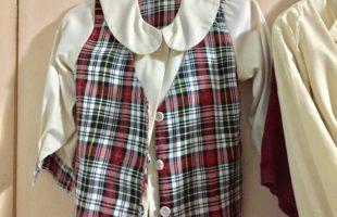 Melatih Kemandirian Hari Ke-9: Gantung Baju Sendiri