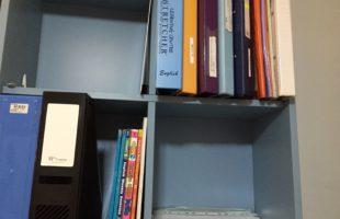 Family Project Hari Ke-3: Menyortir dari Rak Buku